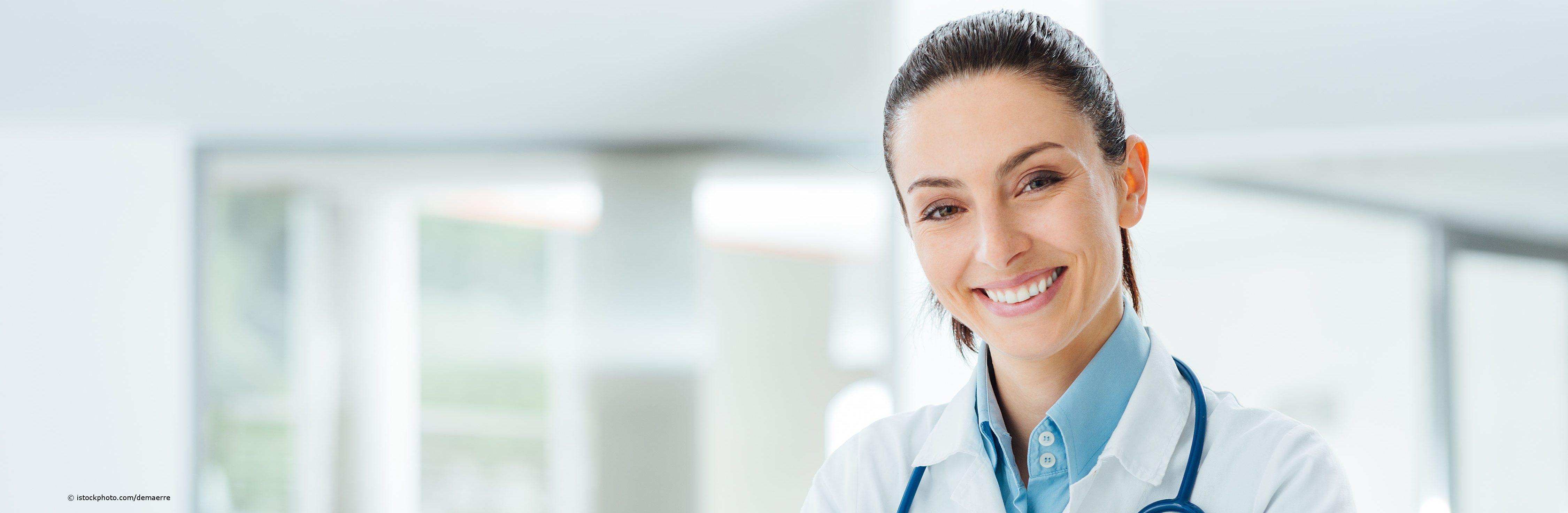 Lächelnde Ärztin auf DocInsider mit dem akademischen Titel Dr. med.
